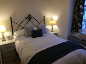 Single room (with small double bed)