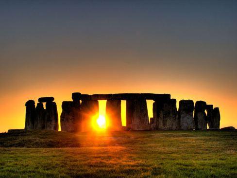 Summer-Solstice-Meditation-Stonehenge-1