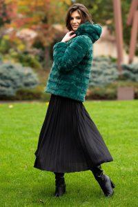 Haina dama din blana artificiala verde smarald cu gluga