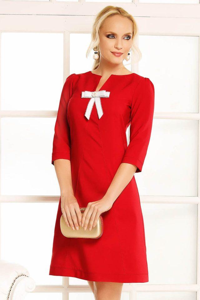 Rochie Fofy rosie de zi cu croi in A din stofa usor elastica accesorizata cu o fundita