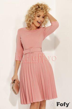 Rochie Fofy roz plisata si curea in talie