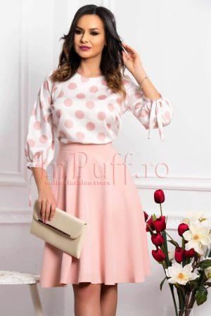 Bluza dama din satin alba cu buline roz pal si maneca lunga