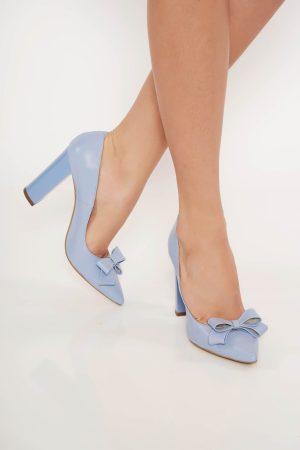 Pantofi albastru-deschis office din piele naturala cu toc gros cu varful usor ascutit accesorizati cu o fundita