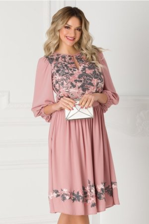 Rochie roz prafuit vaporoasa cu broderie florala la bust LaDonna