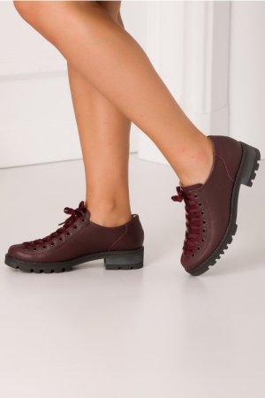 Pantofi casual cu sireturi