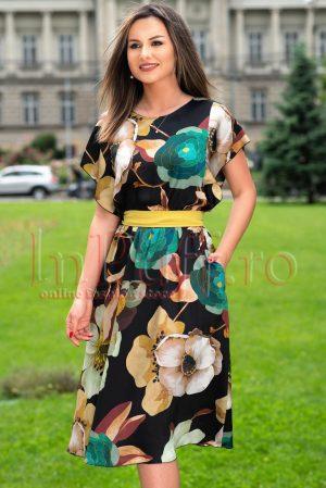 Rochie eleganta cu imprimeu floral si maneca fluture
