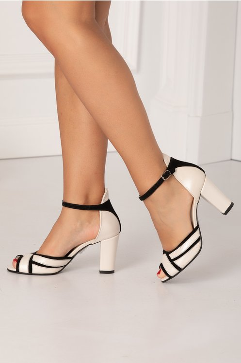 Sandale nude perlat cu insertii din piele intoarsa neagra