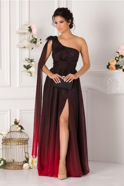 Rochie de seara lunga eleganta din voal si pietricele cu pene