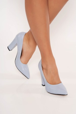 Pantofi albastru-deschis office cu toc gros cu varful usor ascutit