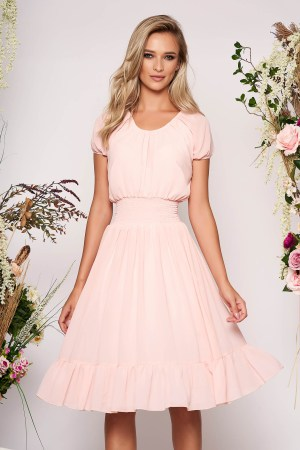 Rochie roz deschis midi de zi in clos din voal cu banda elastica in talie