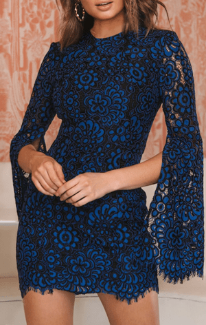 Rochie de seara scurta eleganta din dantela cu maneci largi