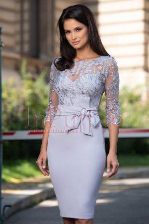 Rochie eleganta de ocazie midi cu tul brodat si aplicatii florale