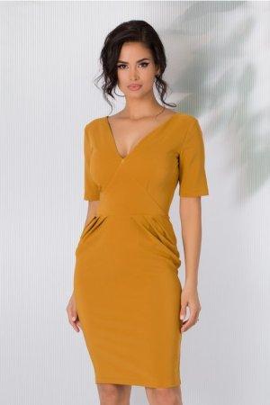 Rochie eleganta galben mustar cu pliuri in talie si decolteu in V