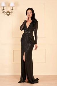 Rochie eleganta neagra de lux lunga cu decolteu adanc in v cu maneci lungi