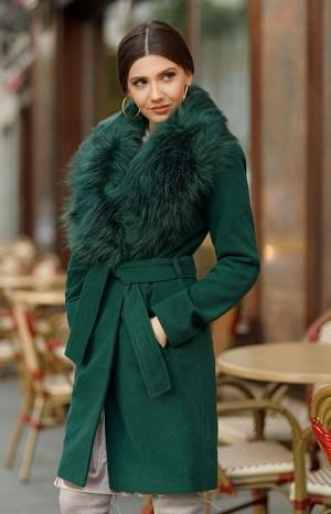 Palton dama verde lung cambrat cu guler cu blana din stofa