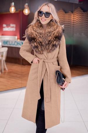 Palton dama bej lung drept cu guler din blana naturala de raton