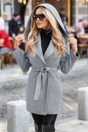 Palton dama gri scurt cambrat cu gluga din stofa