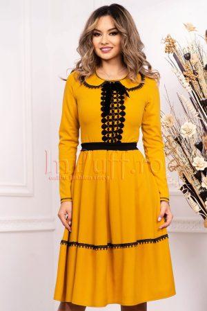 Rochie de zi galben - mustar cu insertii negre