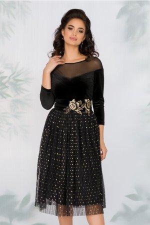 Rochie neagra cu bustul din catifea si fusta din tull plisat cu buline