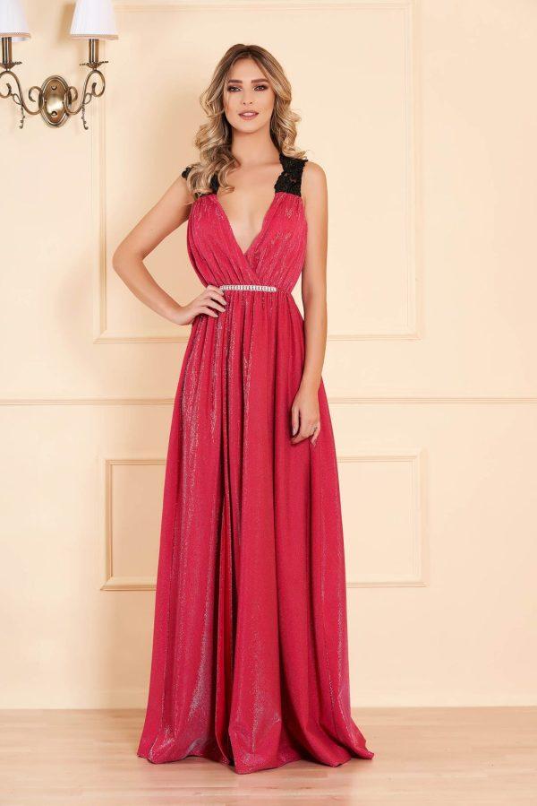 Rochie roz lunga de ocazie petrecuta din material lucios in clos