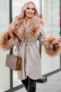 Palton dama gri din lana de alpaca cu guler din blana naturala de vulpe aurie cu fir lung