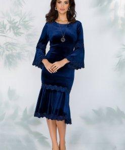 Rochie bleumarin eleganta din catifea cu insertii din dantela si margelute