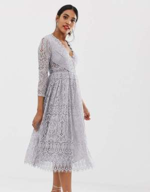Rochie de bal eleganta in clos din dantela cu decolteu in v Asos