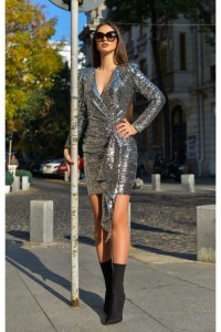 Rochie superba de seara confectionata din paiete in nuante de argintiu