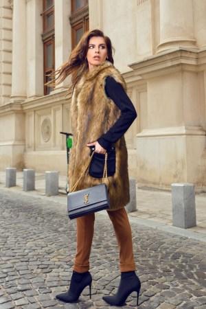 Vesta dama confortabila si foarte calduroasa confectionata din blana ecologica
