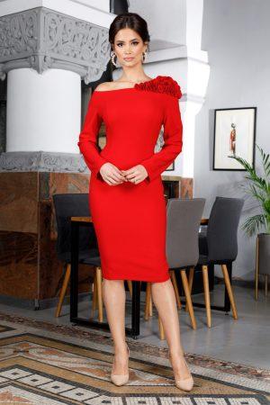 Rochie eleganta midi rosie accesorizata cu volane pe umar si maneci lungi