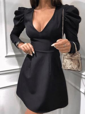 Rochie scurta neagra eleganta cambrata in talie cu maneci bufanti