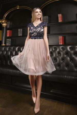 Rochie de seara eleganta cu bust din dantela si fusta din tulle roz