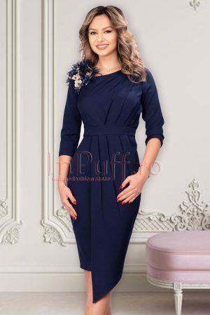 Rochie eleganta midi conica bleumarin asimetrica cu broderie 3D si pene