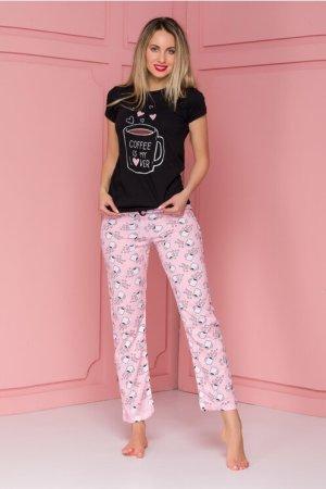 Pijama Coffee cu tricou negru si pantaloni roz