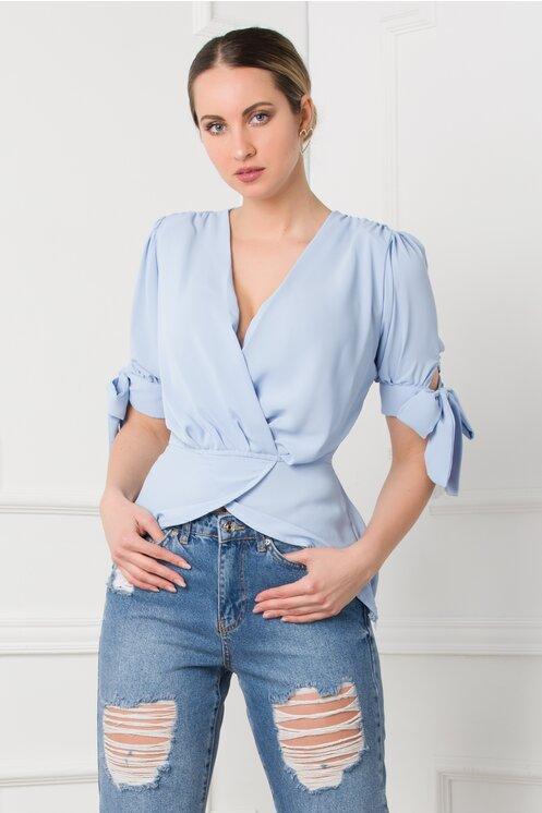 Bluza eleganta bleu petrecuta cu maneci scurte