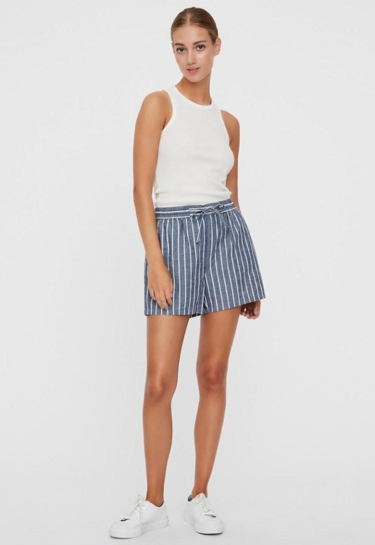 Pantaloni scurti din bumbac organic cu model in dungi