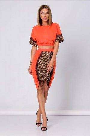 Compleu orange cu animal print alcatuit din top si fusta