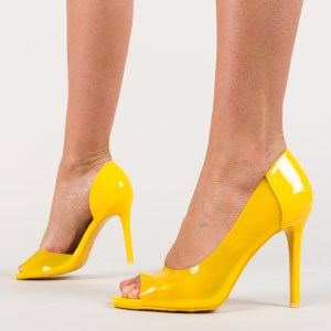 Pantofi galbeni din piele eco lacuita
