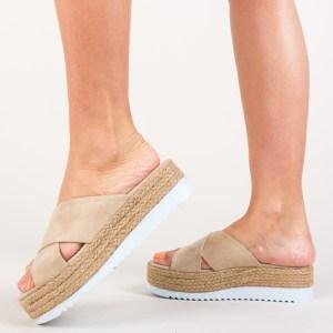 Papuci bej din piele intoarsa eco