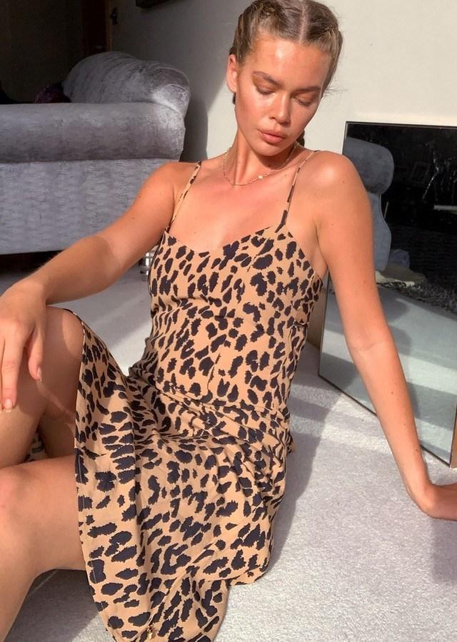 Rochie scurta cu imprimeu leopard