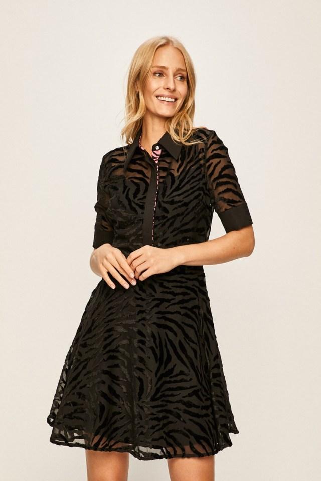 Rochie scurta neagra eleganta in clos