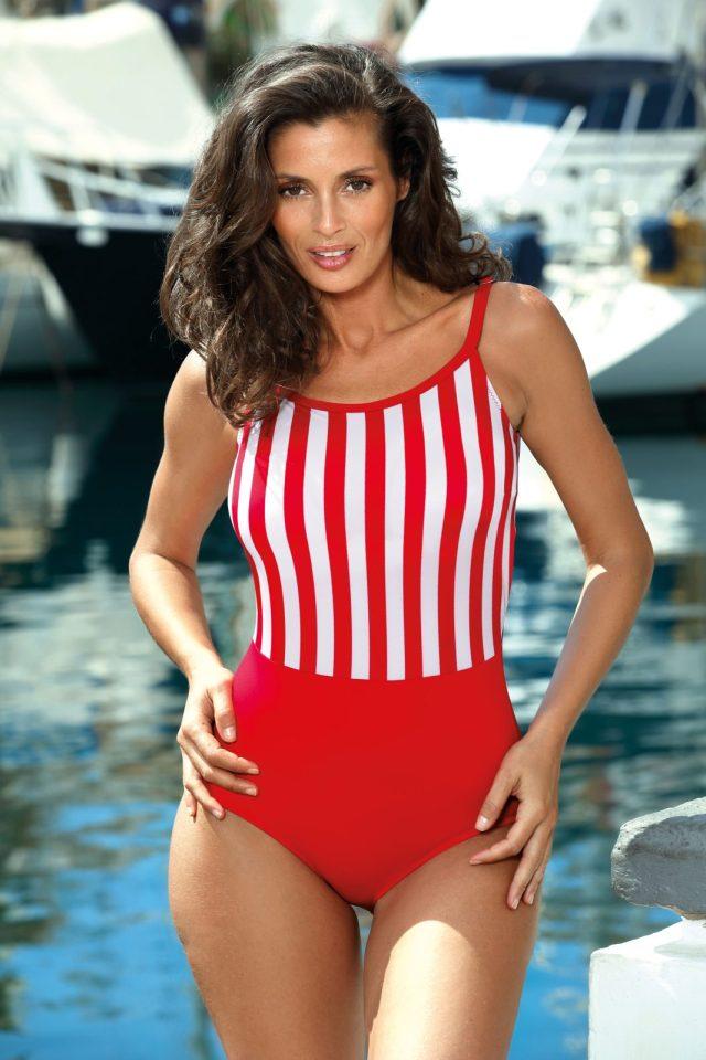 Costum de baie rosu intreg cu decolteu rotunjit cu bretele ajustabile din material elastic Starshiners
