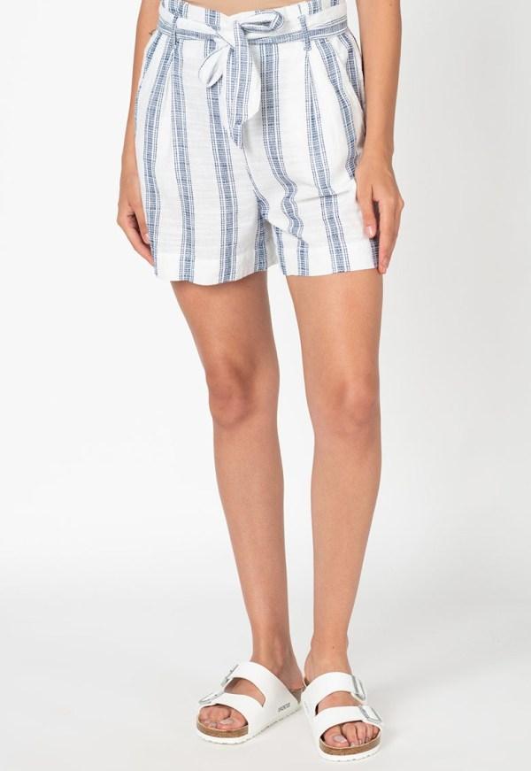 Pantaloni scurti in dungi cu talie inalta