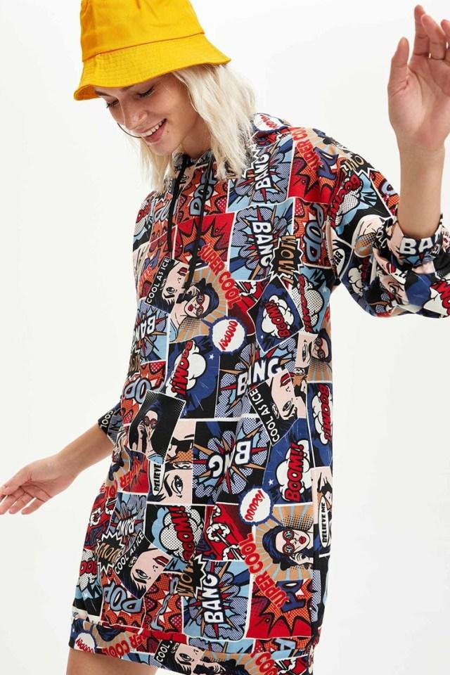 Rochie mini cu imprimeu si gluga