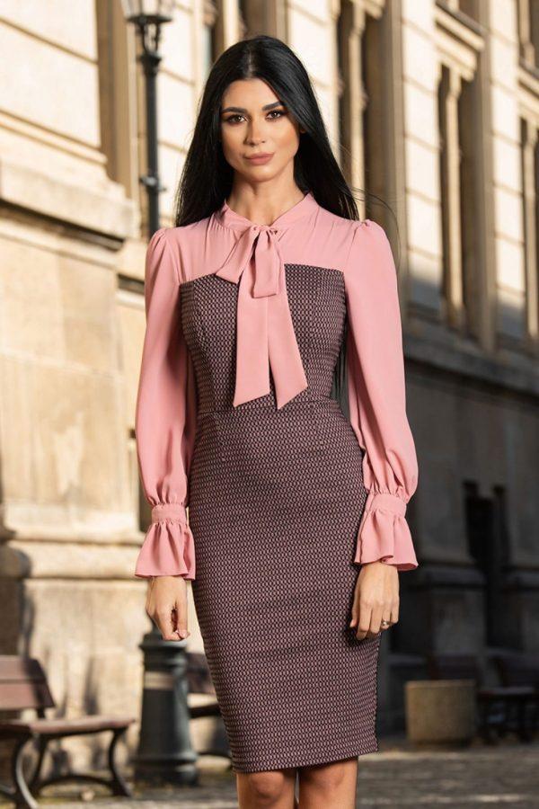 Rochie eleganta din bistrech cu imprimeu si maneci din voal roz