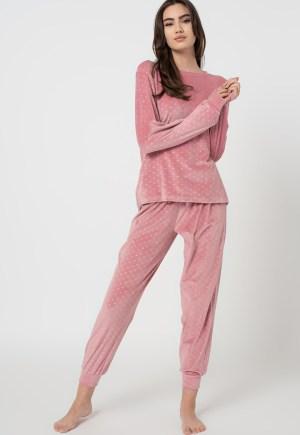 Pijama catifelata cu model cu buline