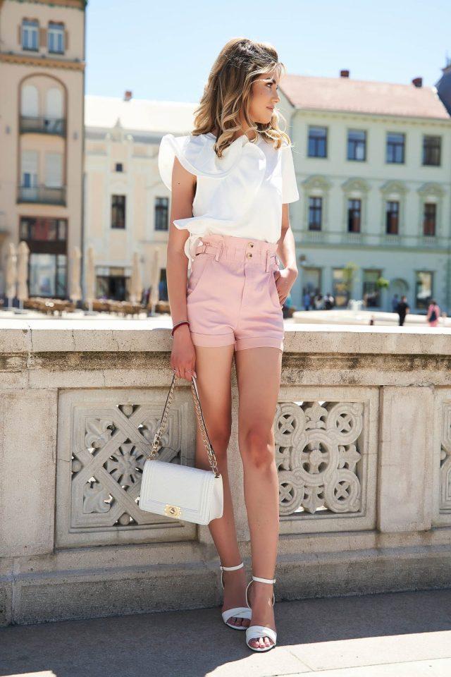 Pantalon scurt SunShine roz prafuit casual mulat cu talie inalta si buzunarePantalon scurt SunShine roz prafuit casual mulat cu talie inalta si buzunare