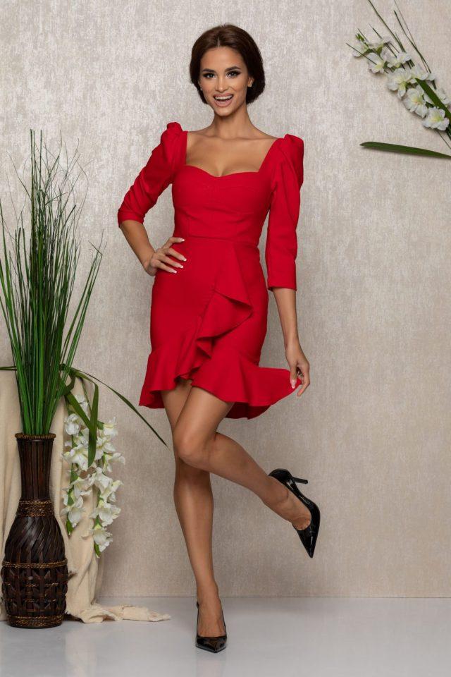 Rochie eleganta scurta rosie cu maneci trei sferturi