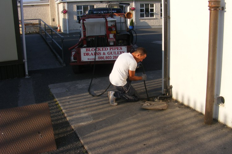 emergency drain cleaners Moate   contact Drain cleaning Westmeath for drain cleaning and drain unblocking services in Moate and surrounding areas. Fast call out 24 hours from our Athlone base - call 086-8032603