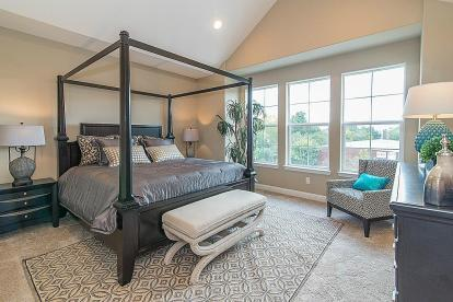 Landings On Nineteenth - Master Bedroom